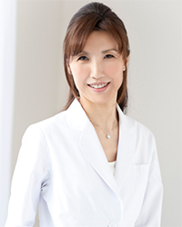 理事長 常盤妙子 (日本矯正歯科学会認定医)